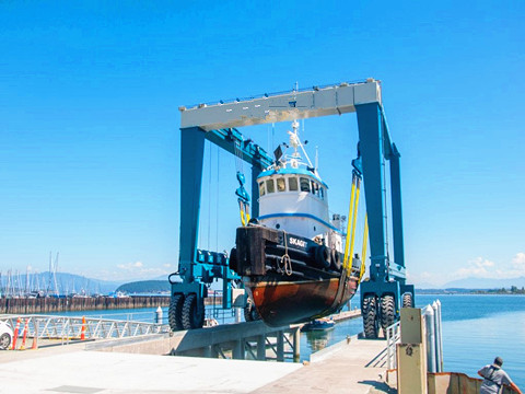 200 ton marine travel lift